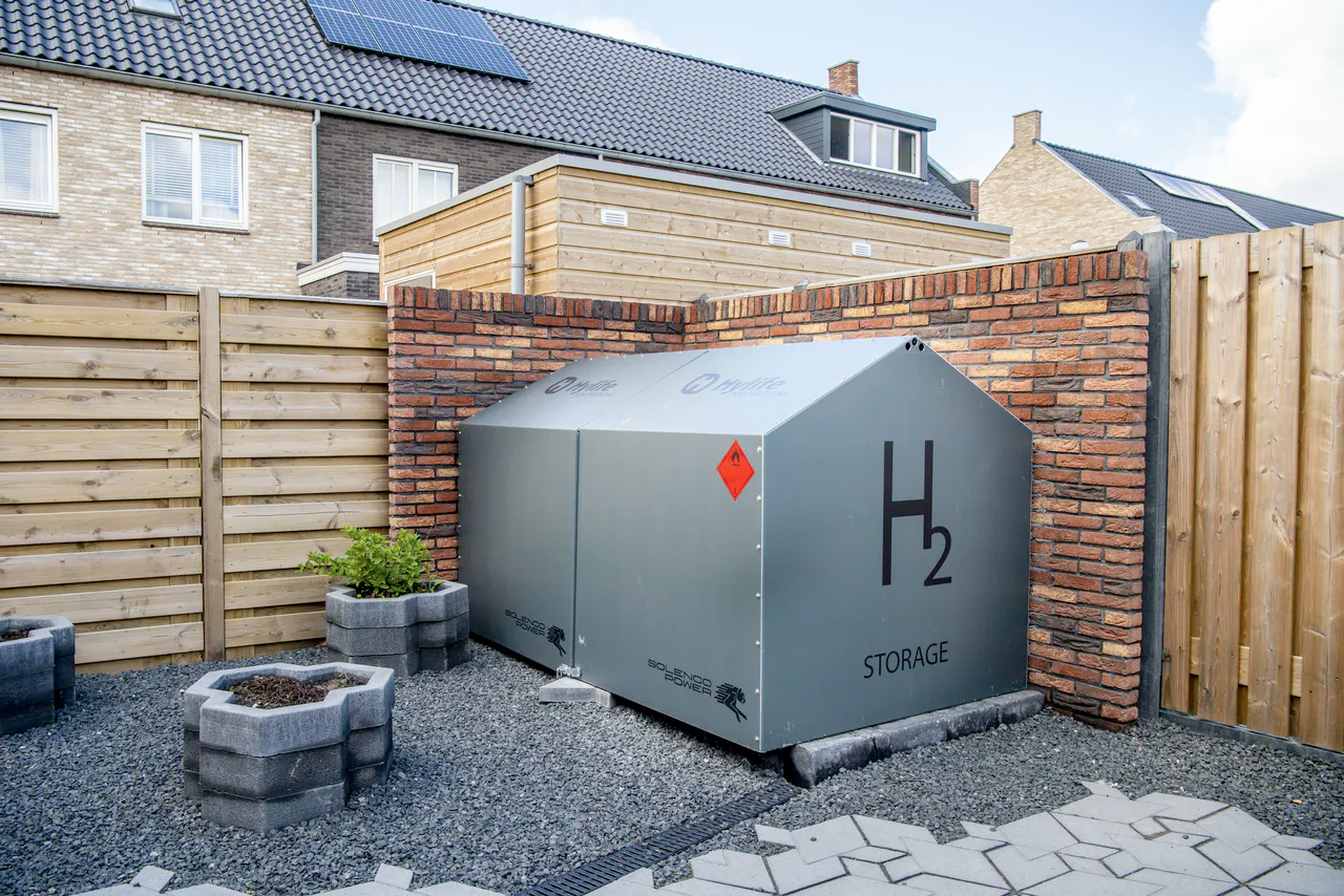 Hydrogen as a sustainable source of energy for households